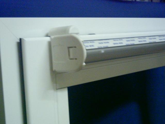 Soportes frente universales ventana 2 uds for Puerta oscilobatiente