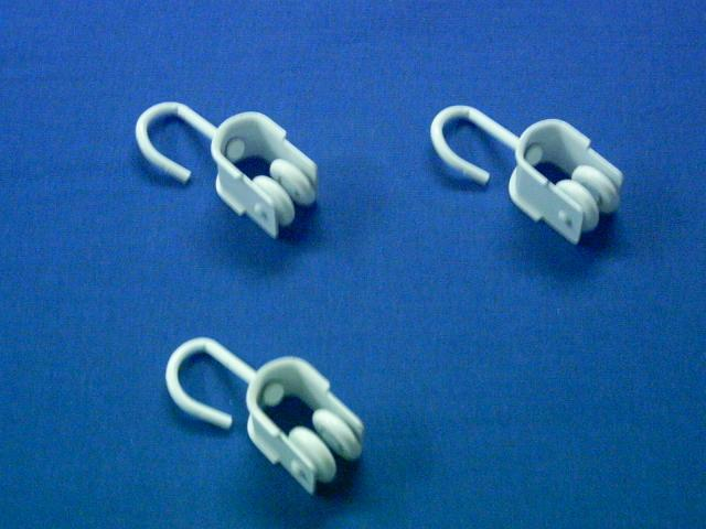 Correderas con gancho 25 uds para rieles toldos cortinas for Accesorios para toldos de balcon